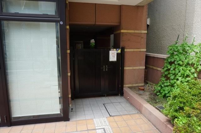 ネオマイム川崎本町のエントランス