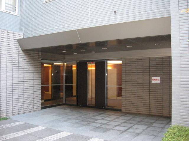 目黒大塚山ローレルコートのエントランス