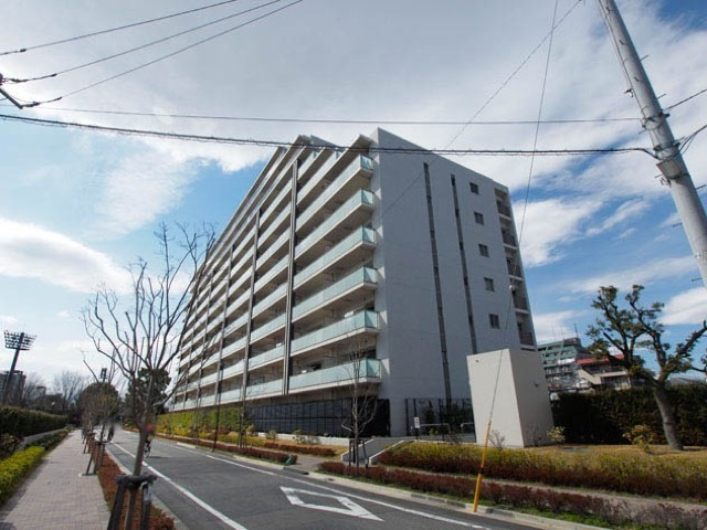 東綾瀬公園ハイライズシーズンスクエアの外観