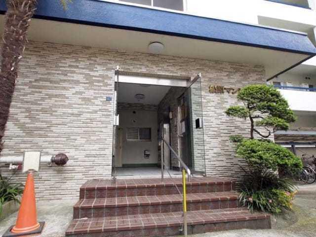 松原マンション(板橋区)のエントランス