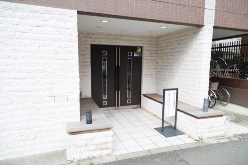 レクシオシティ新高円寺のエントランス