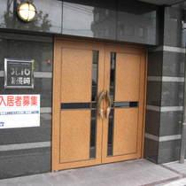 OLIO(オリオ)南長崎のエントランス