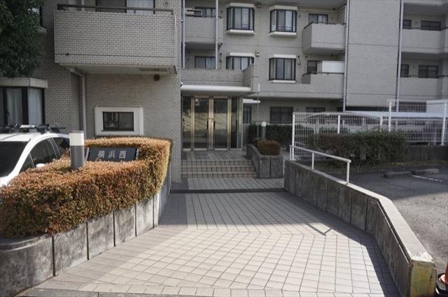 横浜西パークホームズのエントランス