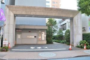 パークタワー東京クラルテステーションフロントのエントランス