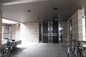 グローリオ板橋本町のエントランス