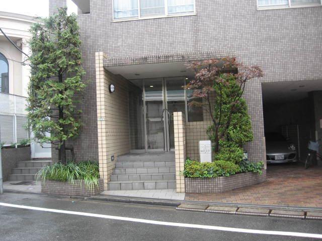 東急ドエルアルス駒沢大学のエントランス