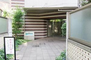 日神デュオステージ新宿若松町のエントランス