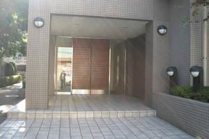 中野富士見町パークホームズのエントランス