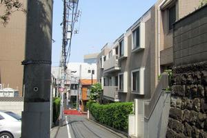 マートルコート新宿若宮町の外観