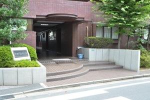 平井グランドハイツのエントランス
