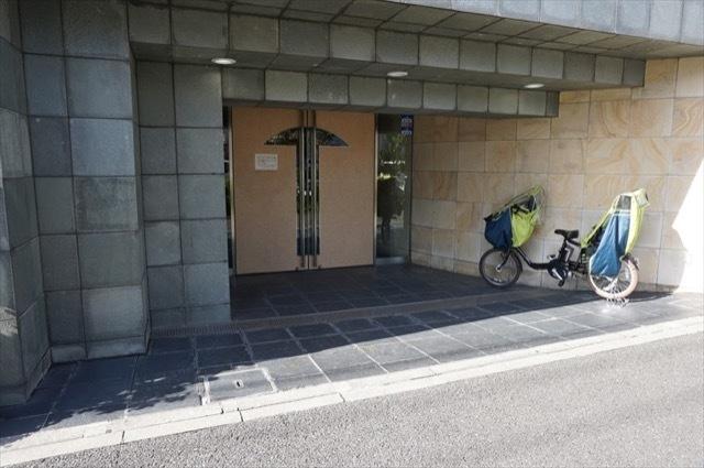 ライオンズマンション横浜中央のエントランス