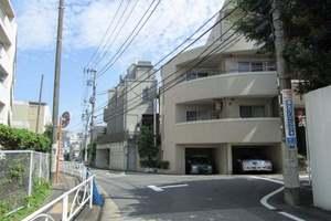 ラグジュアリーアパートメント目黒東山の外観