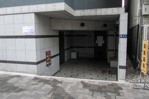 ステージファースト西新宿のエントランス