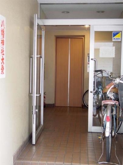 西浅草8番館のエントランス