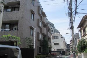 ライオンズマンション新宿柏木の外観