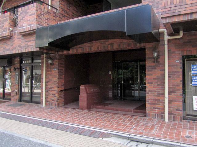 サンモール第8マンションのエントランス