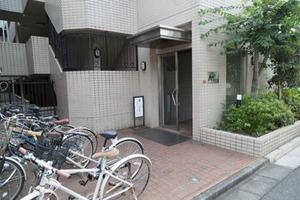 東高円寺アムフラットのエントランス