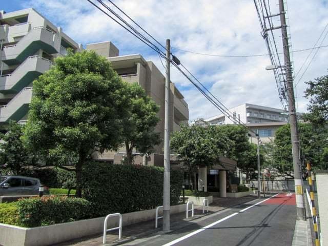 東京アパートメント弐番館の外観