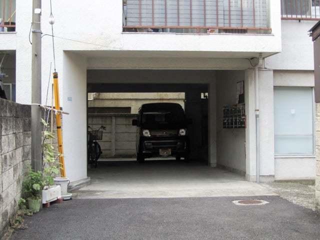 三田マンションのエントランス