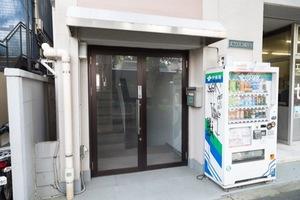 パラシオン高円寺のエントランス
