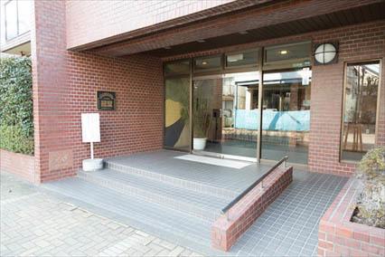 レジオン経堂のエントランス