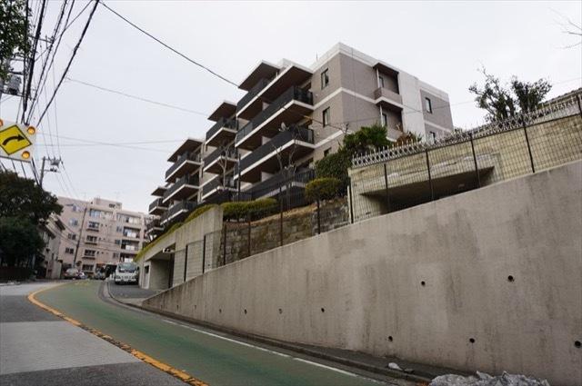 レガティス横浜山手の外観