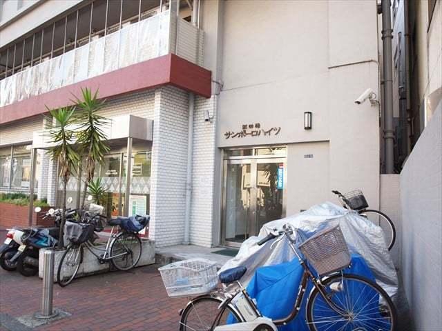 飯田橋サンポーロハイツのエントランス