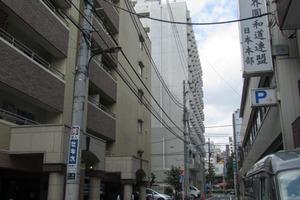 デュオスカーラ新宿の外観