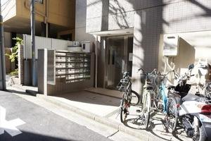 センチュリー横浜鶴見のエントランス