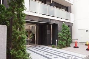 グラントゥルース神田岩本町のエントランス