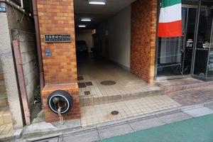 三圭野村マンションのエントランス