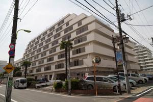 日商岩井豪徳寺マンションの外観