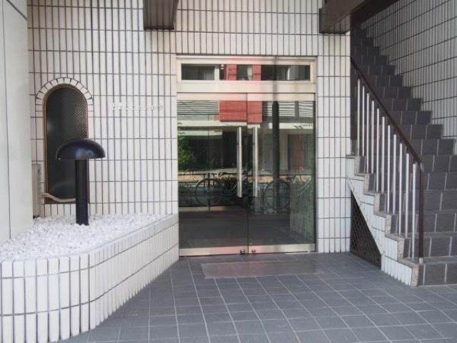 上野北ビューハイツのエントランス