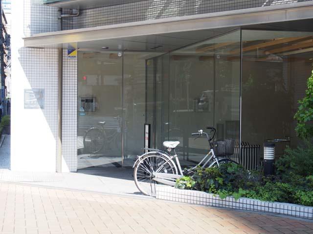 ピアース東京グレイスタワーのエントランス