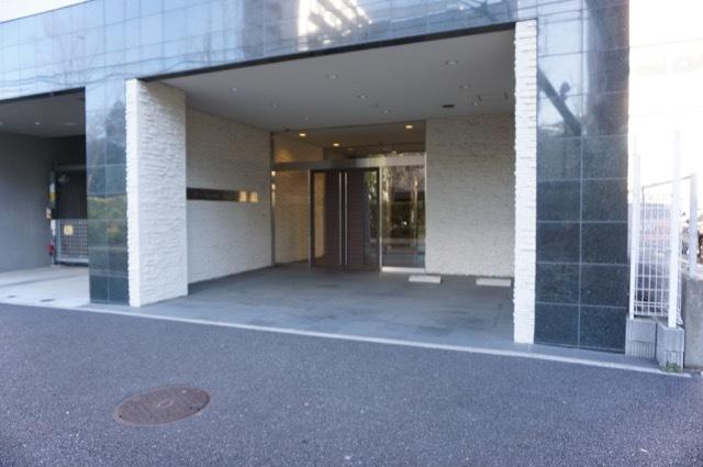 シーズガーデン新横浜のエントランス