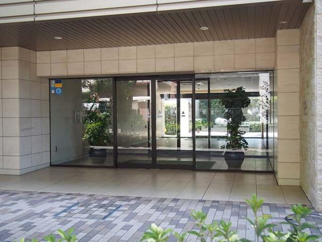 東京フォレストミッドガーデンシティザタワー&ヴィラのエントランス
