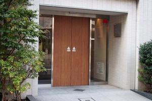 レフィール日本橋本町のエントランス