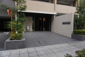 プレシス横浜山下町のエントランス