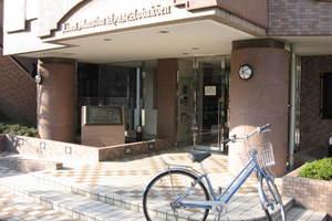 ライオンズマンション綾瀬青葉公園のエントランス