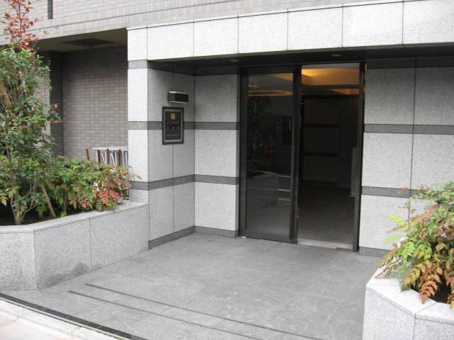 ルーブル中目黒弐番館のエントランス
