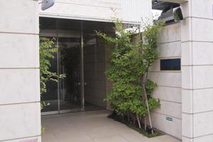 コージーコート一之江駅前のエントランス