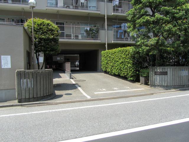 飯田橋第1パークファミリアのエントランス