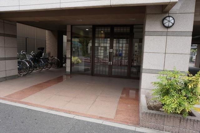 グランイーグル鹿島田3のエントランス