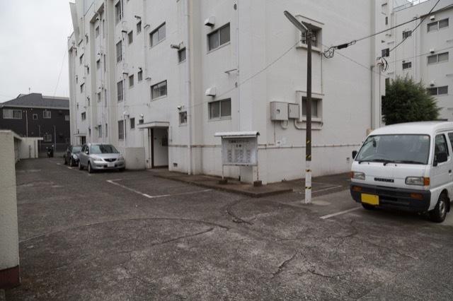 産業住宅協会三鷹第3アパート(A棟・B棟)のエントランス