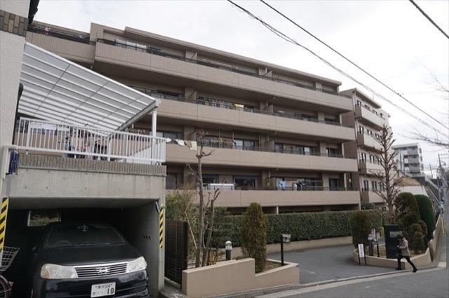 コスモ横浜ガーデン山の外観
