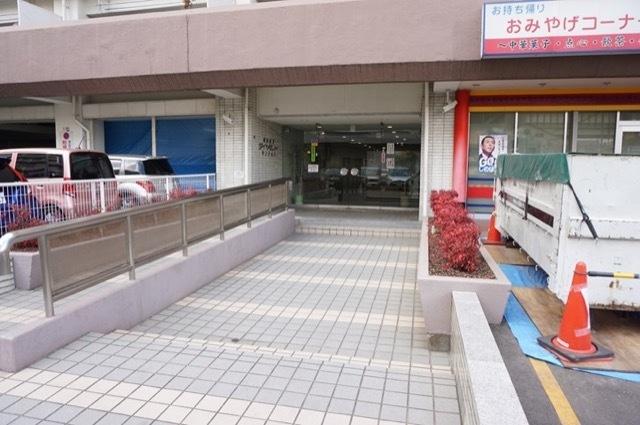 横浜根岸ダイヤモンドマンションのエントランス