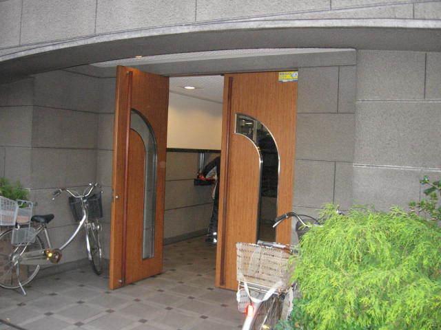 オーベル東綾瀬公園のエントランス