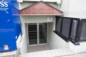 マイステージ駒沢公園のエントランス