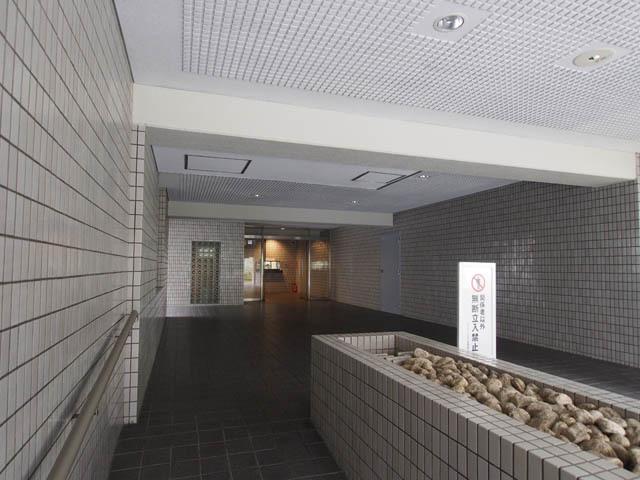シャルマン小石川のエントランス
