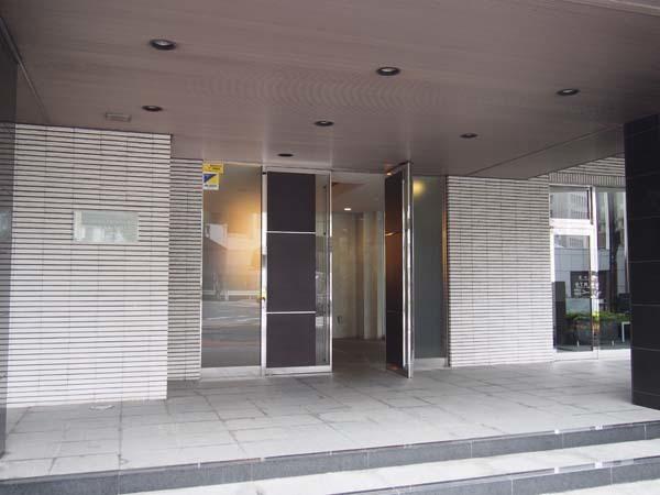 レーベンリヴァーレ東京ラトーレのエントランス